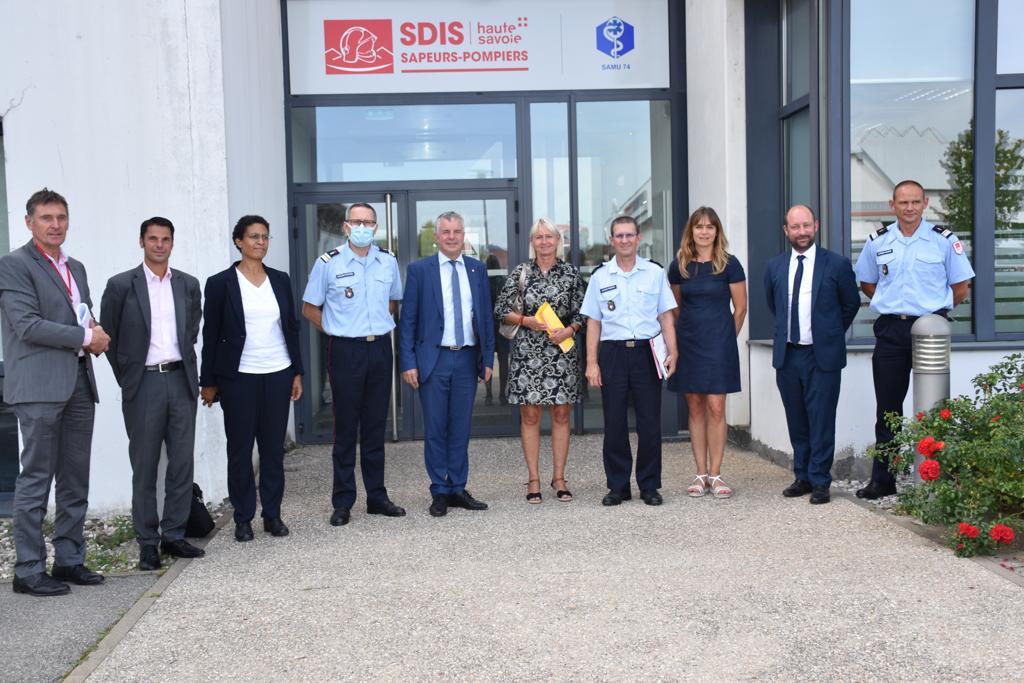 Visite d'une délégation sénatorial au centre de traitement des appels de Haute-Savoie
