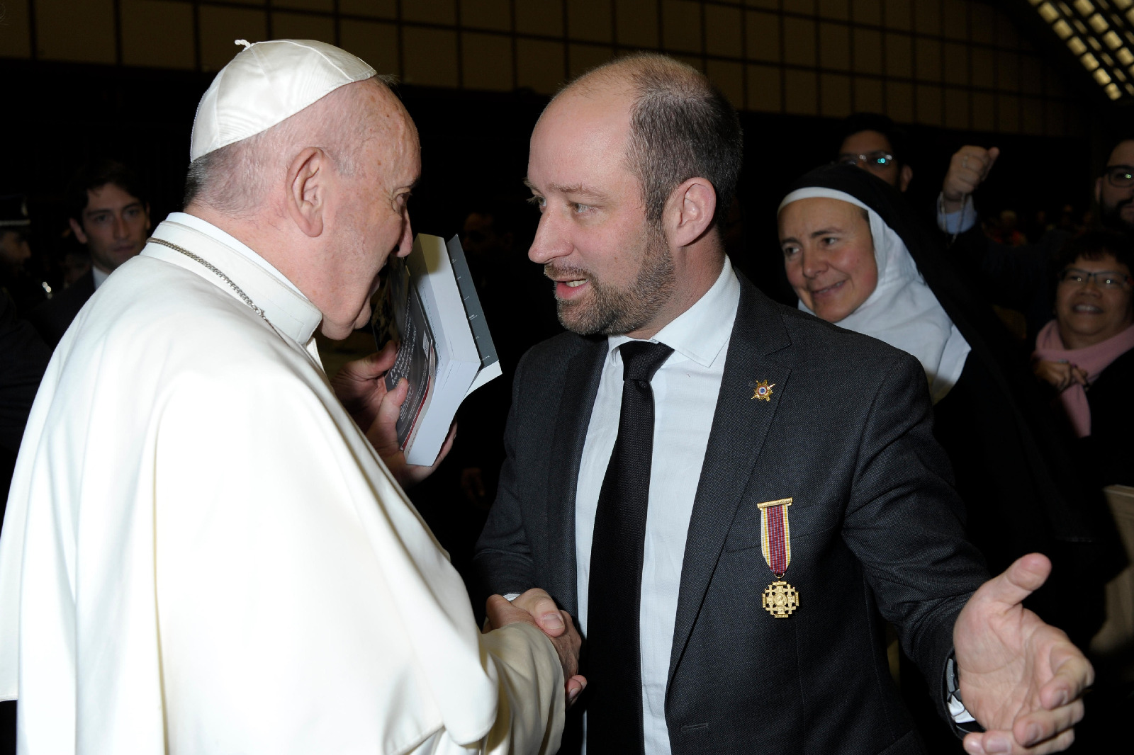 À quelques jours de Noël, Loïc HERVÉ a rencontré le Pape François à Rome